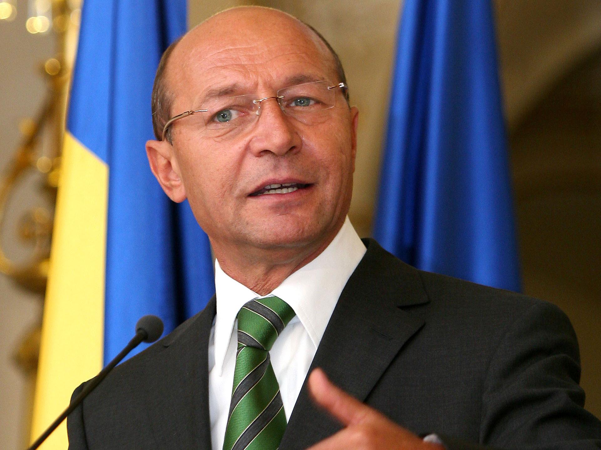 Băsescu scrie Parlamentului, cerând să nu fie obstrucţionată activitatea justiţiei