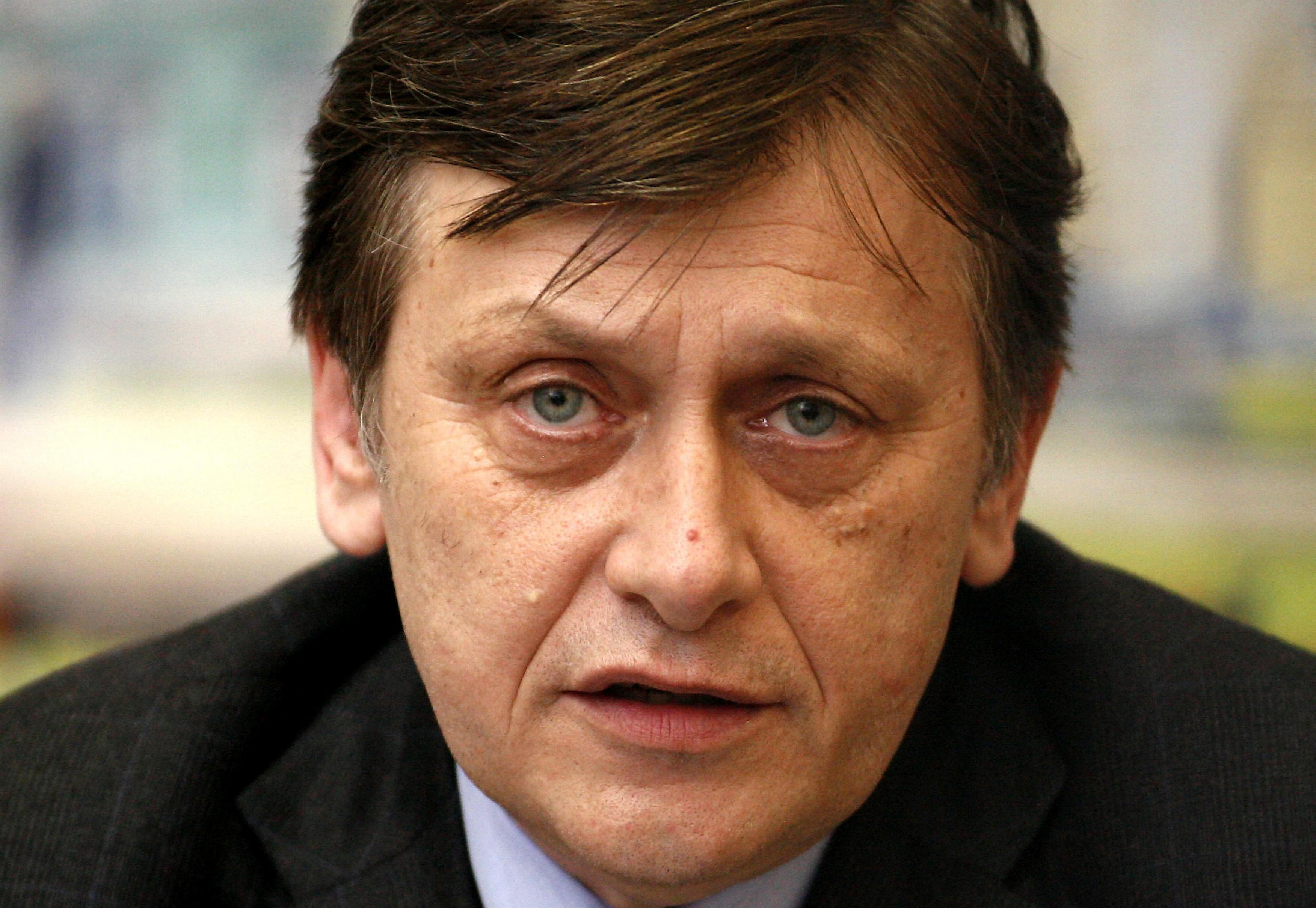 """Crin Antonescu, despre Roșia Montană: """"Proiectul trebuie retras sau respins"""""""