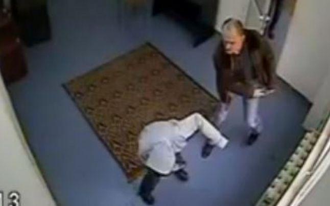 Dosar penal în cazul minorei bătute în sediul Poliţiei Piatra Neamţ
