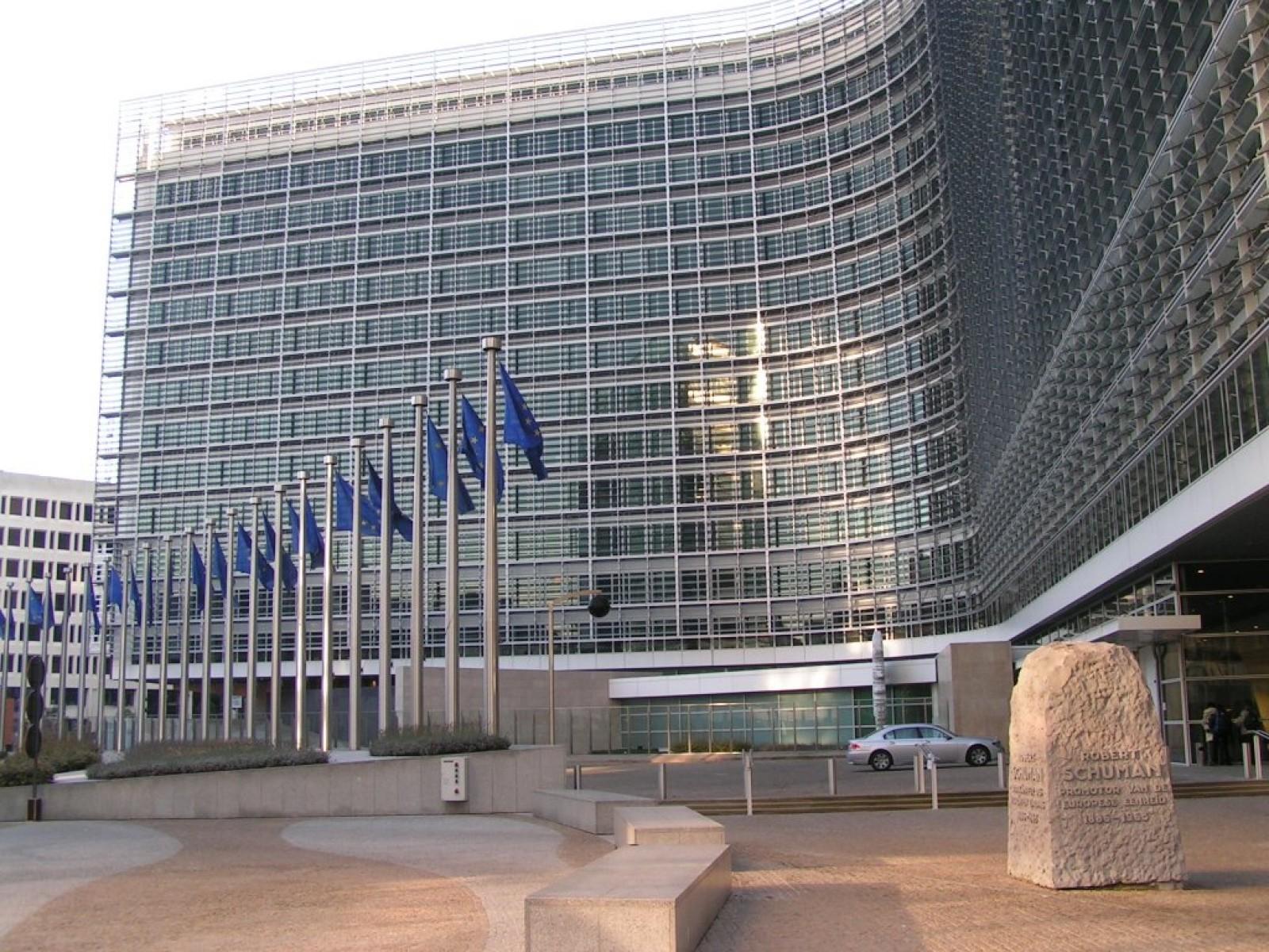 Comisia Europeană a activat Articolul 7 în cazul Poloniei