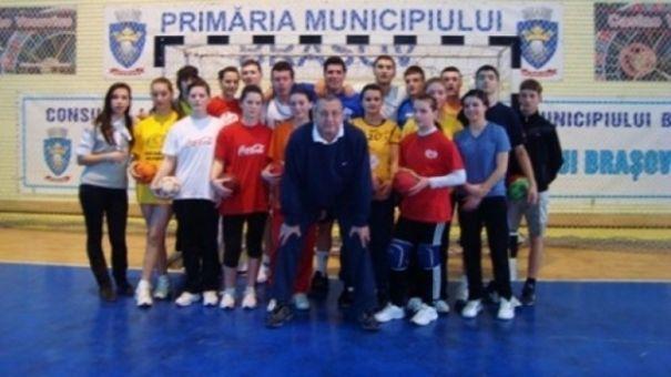 Scandal monstru în handbal! Un antrenor român e acuzat că a violat șapte sportive