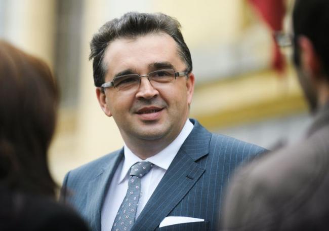 Oprișan face un apel la agitații din PSD