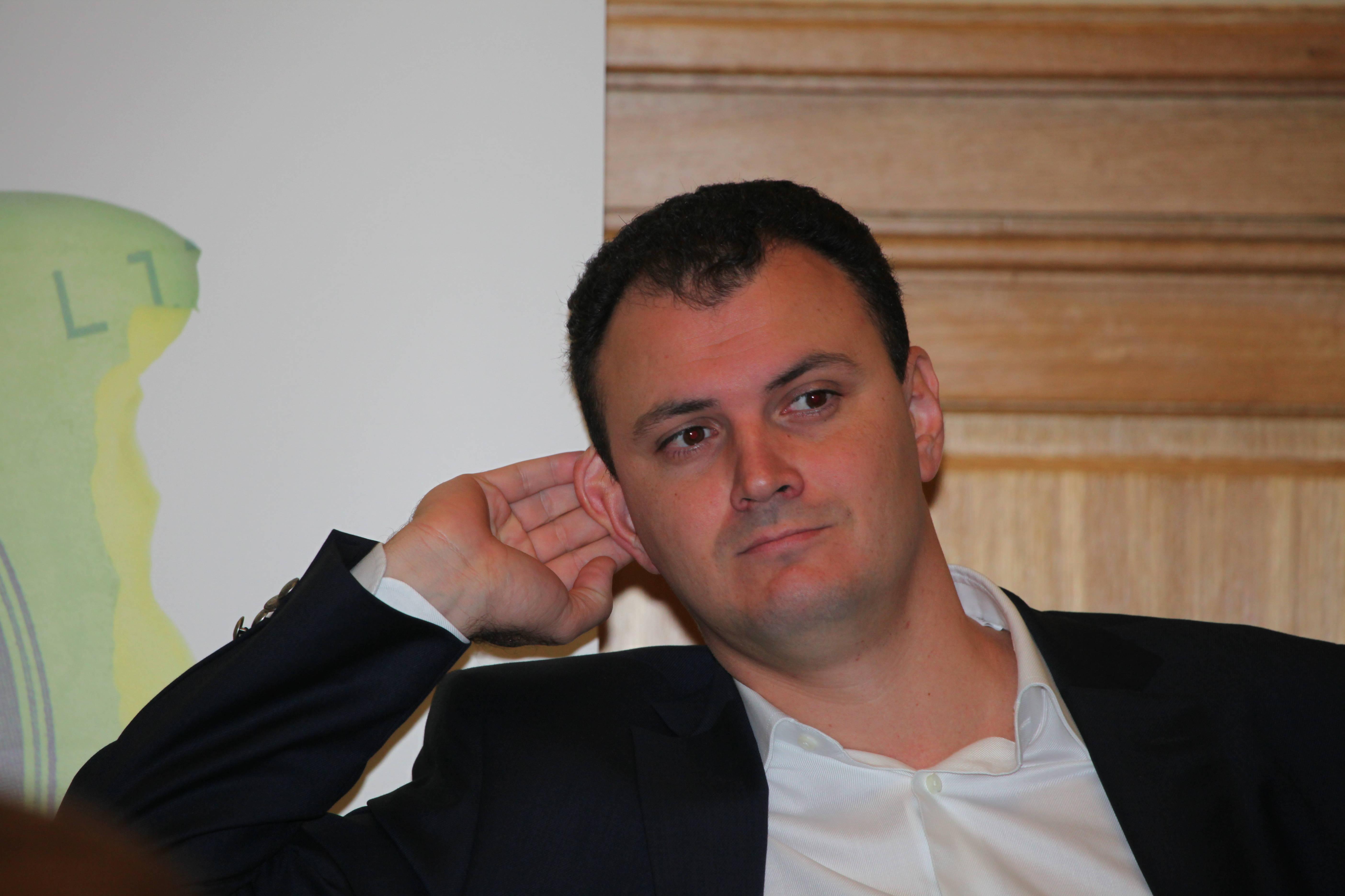 UPDATE Mogulul Ghiță, acuzat de noi fapte de corupție. Acesta nu poate părăsi Ploieștiul și nu are voie să vorbească cu Ponta