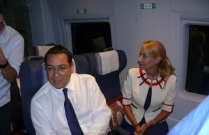 Familia Ponta doneaza salarii dar traieste in lux