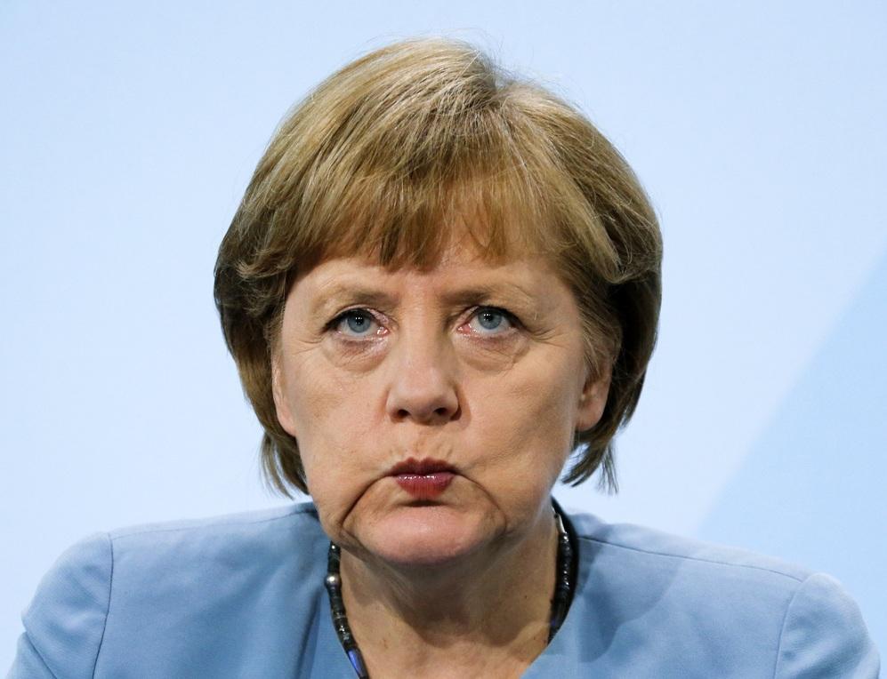 Aproape jumătate dintre germani vor ca Angela Merkel să demisioneze