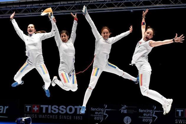 Echipa feminină de spadă, medaliată cu argint la Campionatul Mondial