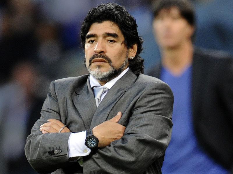 Doliu în lumea fotbalului. Maradona a murit în casa sa de la Tigre