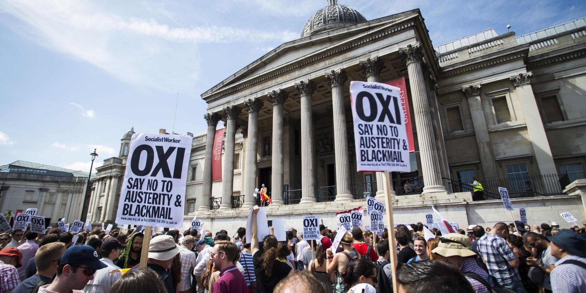 UPDATE Grecia: Protestatarii aruncă cocteiluri Molotov spre poliţie