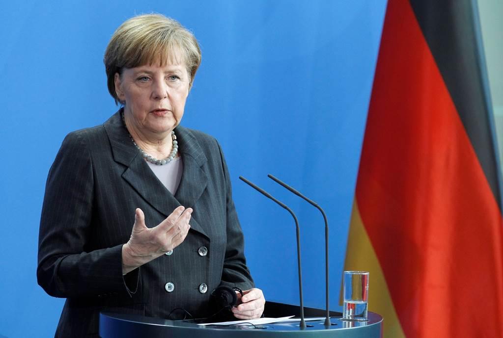Merkel îşi asumă crimele comise de nazişti în Grecia. Premieră în relaţiile germano-elene