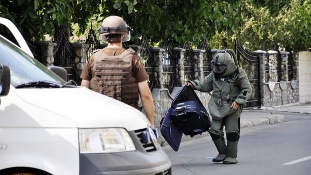 Ce au găsit pirotehniștii SRI într-un bagaj suspect la Slobozia