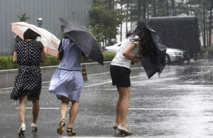 ploaie vant foto ampress.ro