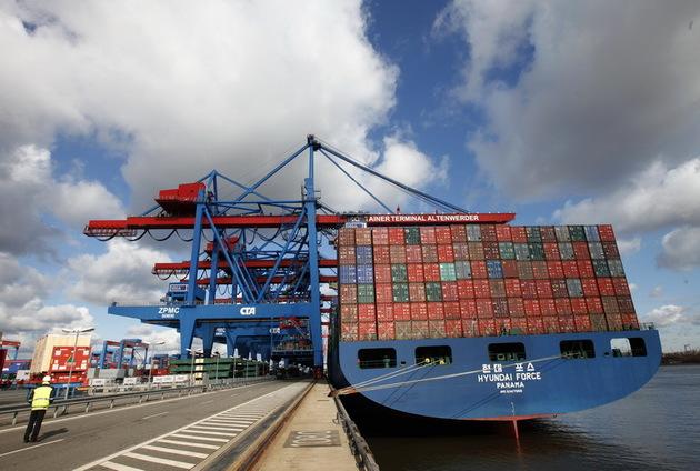 Suspecți duși la audieri pentru furturi din Portul Constanța