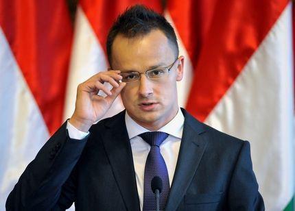 Un controversat oficial maghiar vine la București