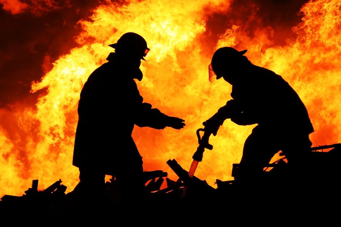DESPRE NORMALITATE: Cum se face instruirea în caz de incendiu în Londra