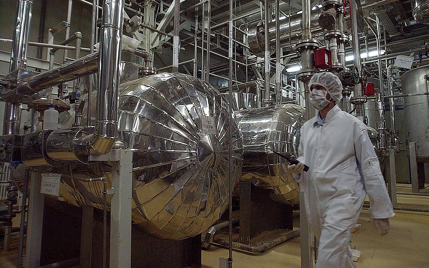 Iranul și-a reluat activitatea de îmbogățire a uraniului