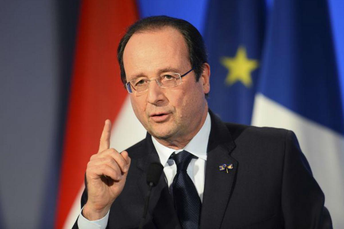 Hollande confirmă că Franța este în război