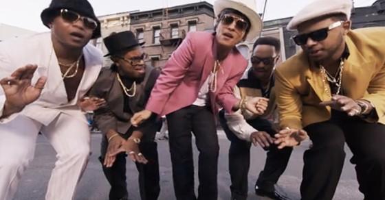 Video inedit al hitului Uptown Funk - Bruno Mars. Trebuie să-l vezi!