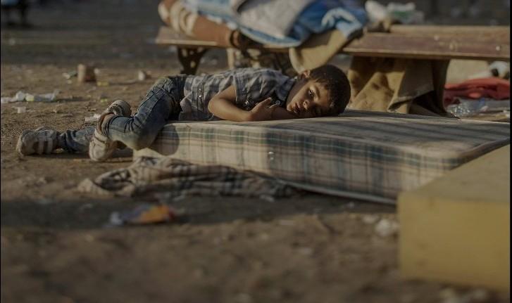 Unde dorm copiii - imagini cutremurătoare care te vor face să-i privești altfel pe refugiați
