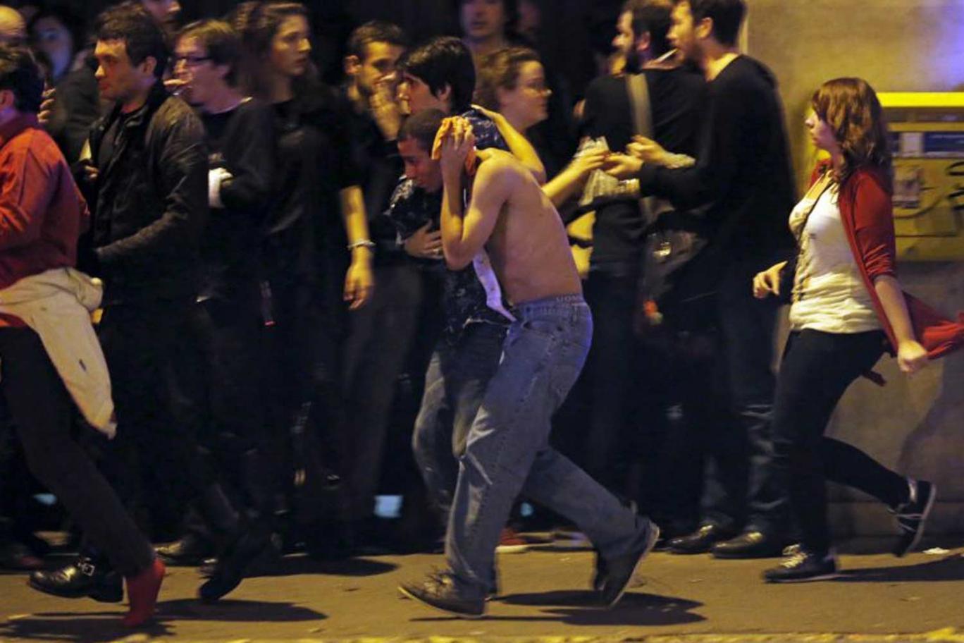 TEROARE LA PARIS. Unul dintre teroriști a intrat cu valul de refugiați prin Grecia