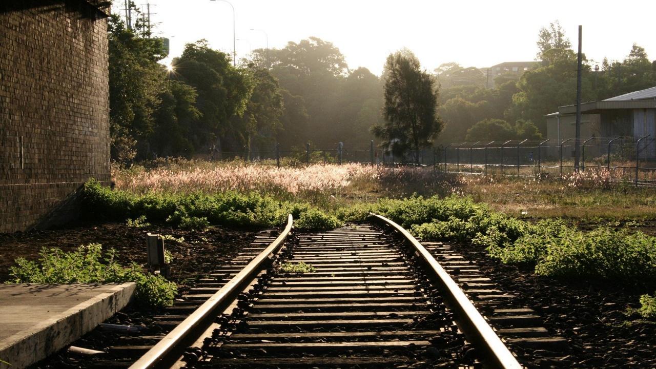 Cum au dispărut 36 de kilometri de cale ferată, între Deva şi Brad