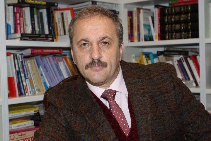 Vasile Dâncu a primit titlul de Profesor Honoris Causa al Universității Babeș-Bolyai