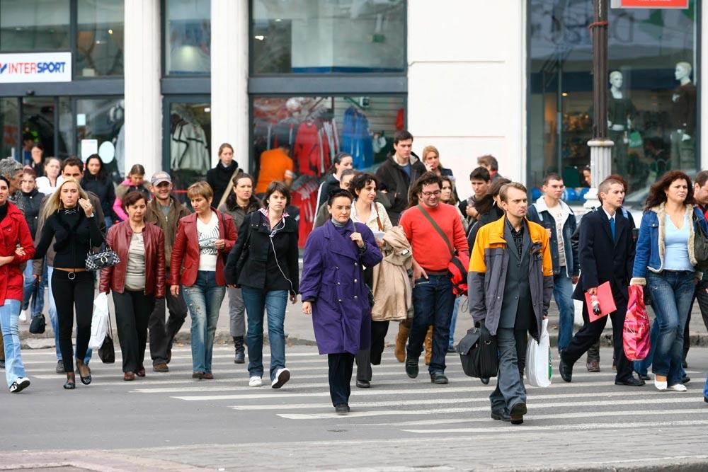 Câte zile libere vor avea românii în 2016