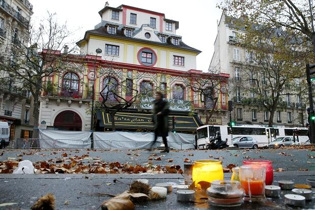 ATENTATELE DIN PARIS: Al treilea kamikaze de la Bataclan a fost identificat