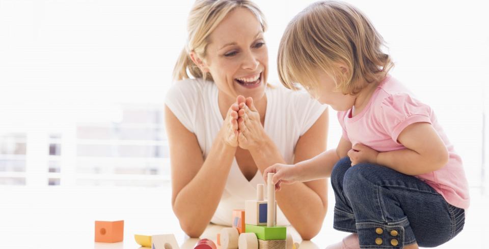 Când îi învăţăm pe copii să fie politicoși îi învăţăm, de fapt, să mintă?