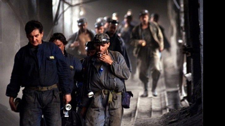 Continuă greva la minele Lonea și Vulcan