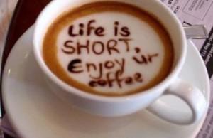 ora potrivită pentru prima ceașcă de cafea