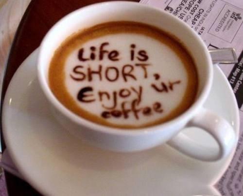 Pun pariu că îți bei greșit cafeaua...