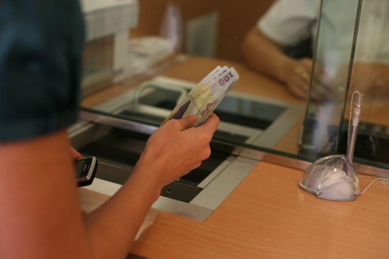 Cine va plăti, de fapt, taxa pe lăcomie aplicată băncilor?