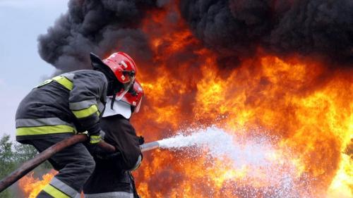Incendiu puternic la un hotel din Arad
