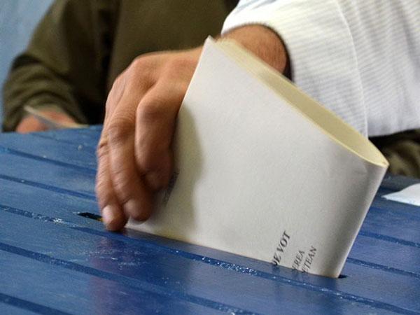 """""""Dragnea recidivează"""". De ce PSD vrea secții separate la alegerile din 26 mai?"""