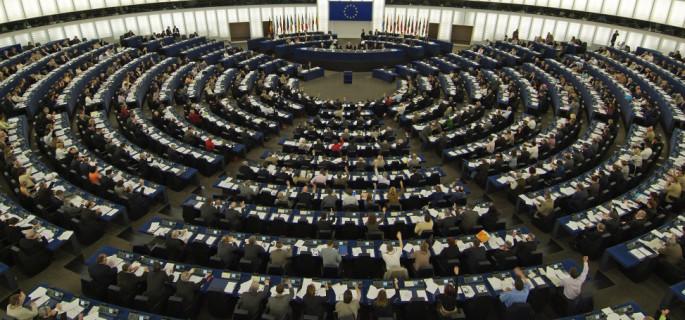 Eurodeputații PSD au votat împotriva sancționării Poloniei