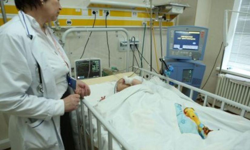 Un alt copil bolnav din Argeş a fost transferat la Bucureşti