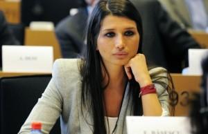 ELENA BASESCU S-A SESIZAT INTR-UN CAZ CONTROVERSAT «Autoritatea pentru drepturile copilului trebuie sa intervina urgent»