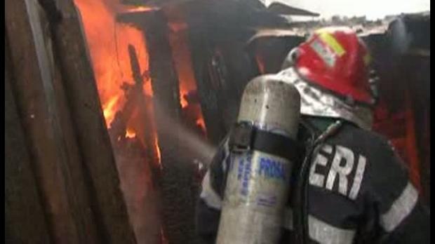 Explozie într-un bloc din Cluj-Napoca. Trei persoane rănite și șapte apartamente avariate