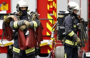 Pompierii continua sa lucreze la programul infernal 24 cu 48