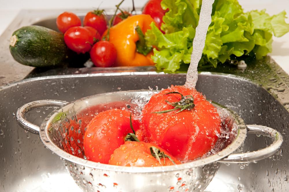 Cele mai eficiente metode de eliminare a bacteriilor de pe fructe și legume