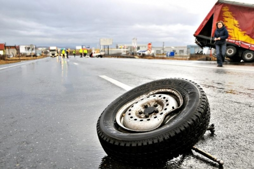 CARNAGIU ÎN CEHIA. Patru români au murit, alți 3 au fost răniți într-un accident auto