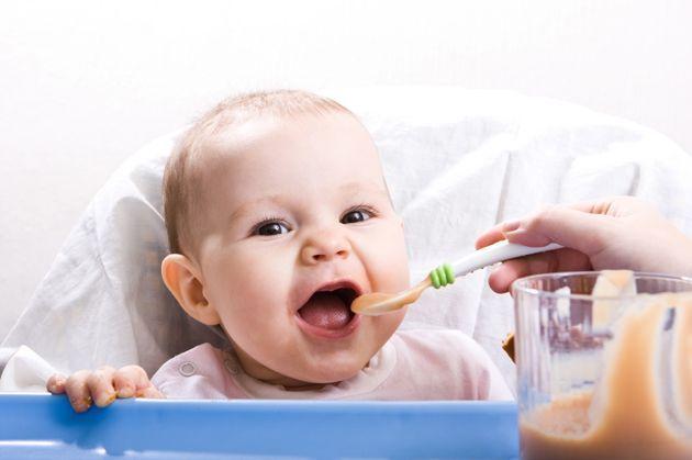 Ce trebuie să le faci bebelușilor înainte de apariția dinților? Avertismentul specialiștilor
