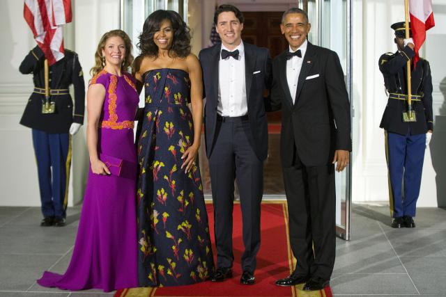 Cum își alege prima doamnă a Statelor Unite ținutele oficiale