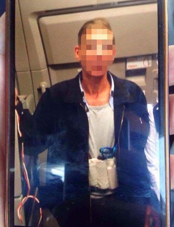 Ce conținea centura bărbatului care a deturnat un avion Egypt Air