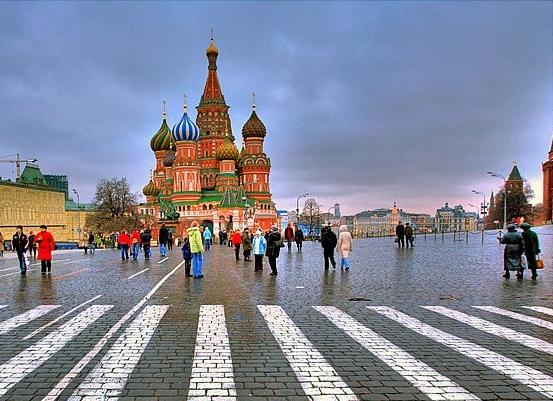 Cazul Skripal. Rusia mai expulzează încă 50 de diplomați englezi de la Kremlin