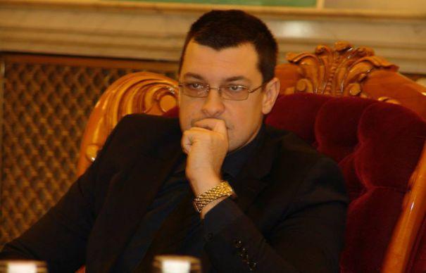 INTERVIU OVIDIU RAEȚCHI (PNL): «Pentru mine candidatura lui Vanghelie reprezintă o dublă şansă»