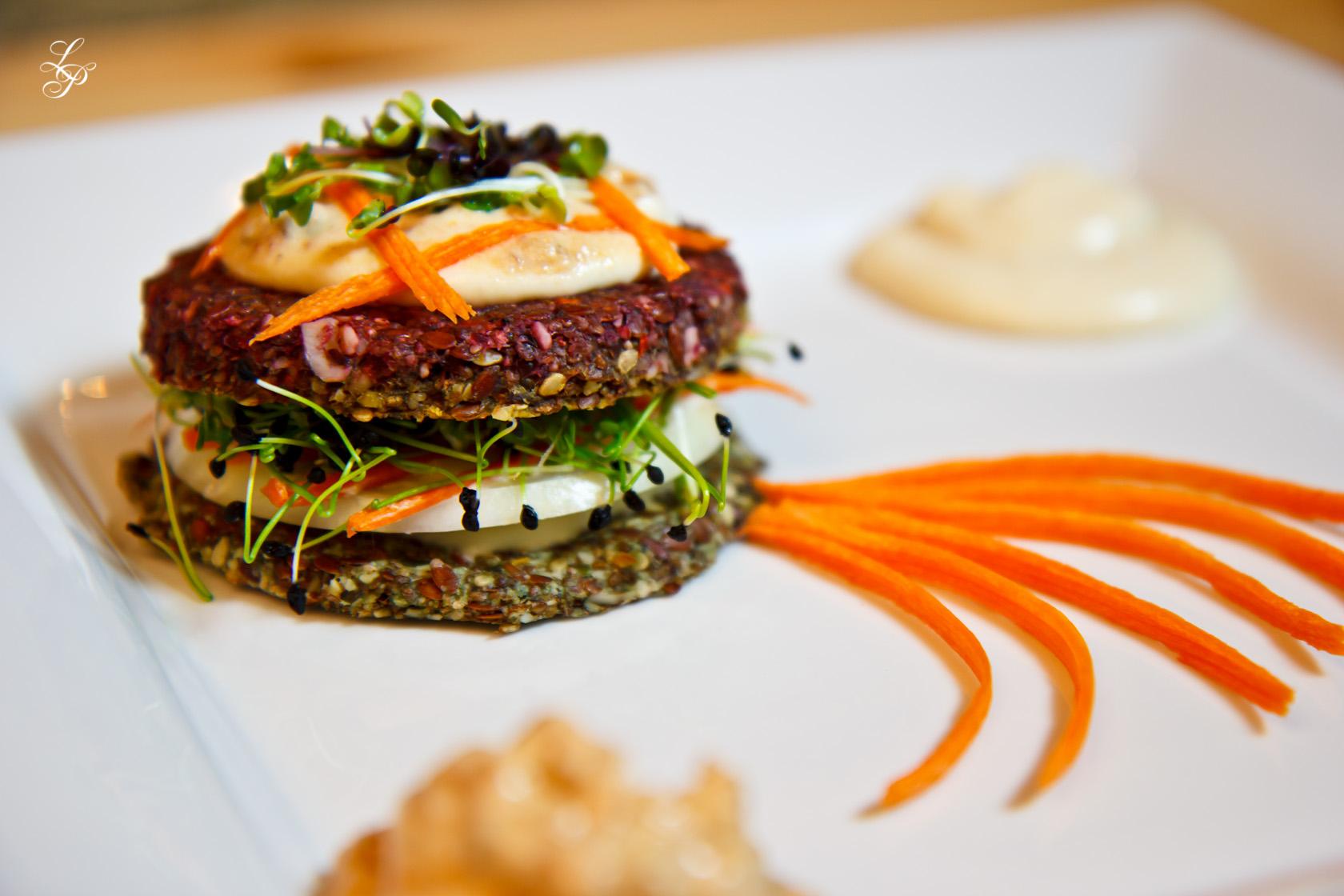Cel mai gustos hamburger raw vegan