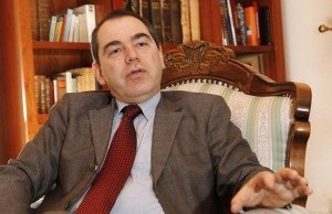 Alexandrescu si mizeriile din jurul ministerului pe care il conduce