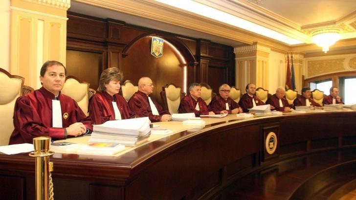 CCR lasă pentru septembrie Codul de Procedură Penală. Fondul Suveran de Investiţii, neconstituţional