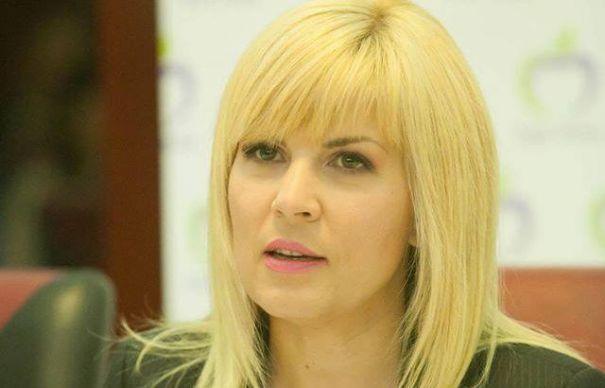 """Elena Udrea îl caracterizează pe Cioloș: """"Agentul 000"""""""